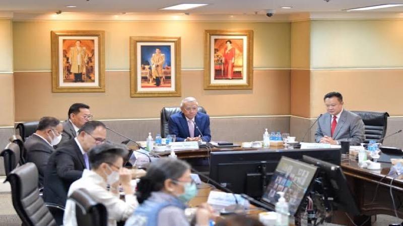 Het Thaise CCSA verklaarde dat steden en plaatsen, zoals Phuket en Pattaya, die afhankelijk zijn van toerisme een hoge vaccinprioriteit zullen krijgen