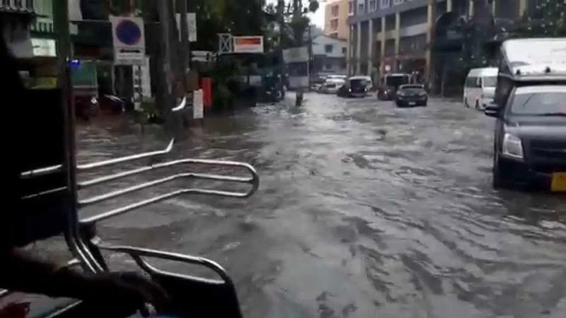 VIDEO | Gisteren leek de kustplaats Pattaya even op het Venetië van Thailand