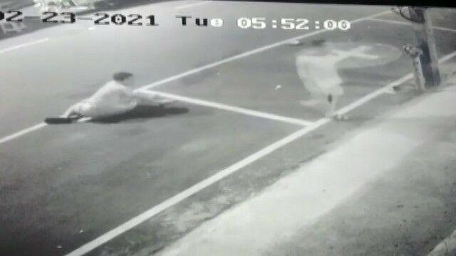 Dronken agent schiet noedelverkoper neer in Phuket – video