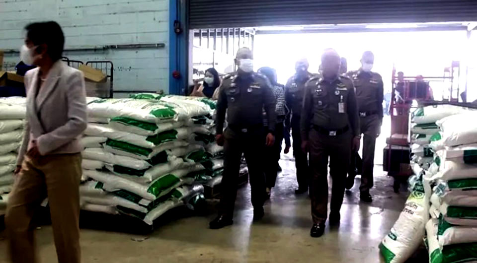 Politieinval in fabriek waar nep-merkartikelen werden geproduceerd