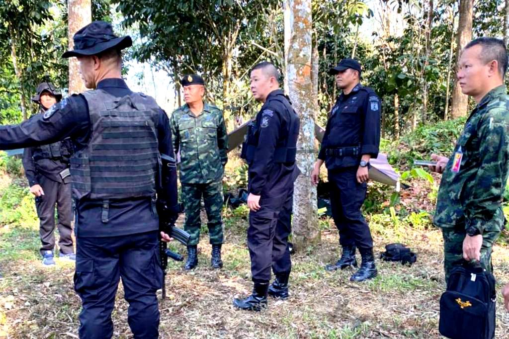 Twee vrijwilligers uit het leger gedood bij bomexplosie en geweervuur in Zuid-Thailand