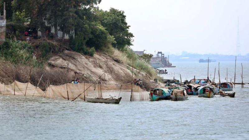 Het niveau in de Mekong rivier in Thailand blijft dalen na het afsluiten van de Chinese dam