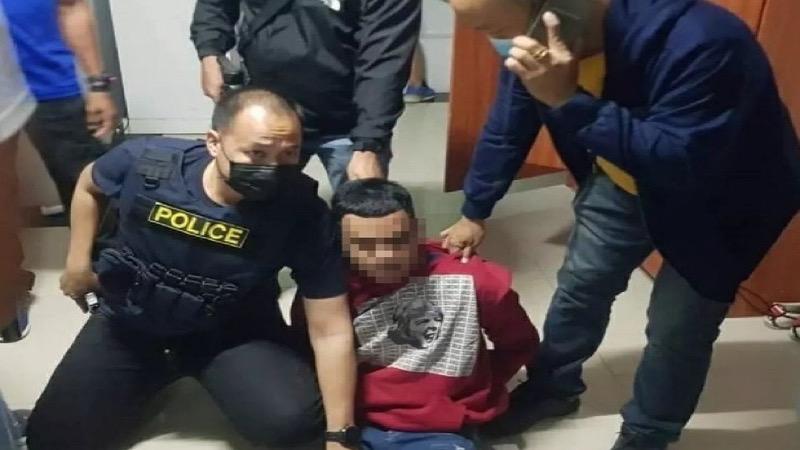 Politieagent van achteren neergeschoten bij een benzinestation in Suphan Buri