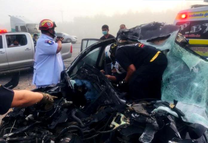 Chauffeurs vermoeden smog als oorzaak in drie auto-ongelukken in Pattaya en omgeving