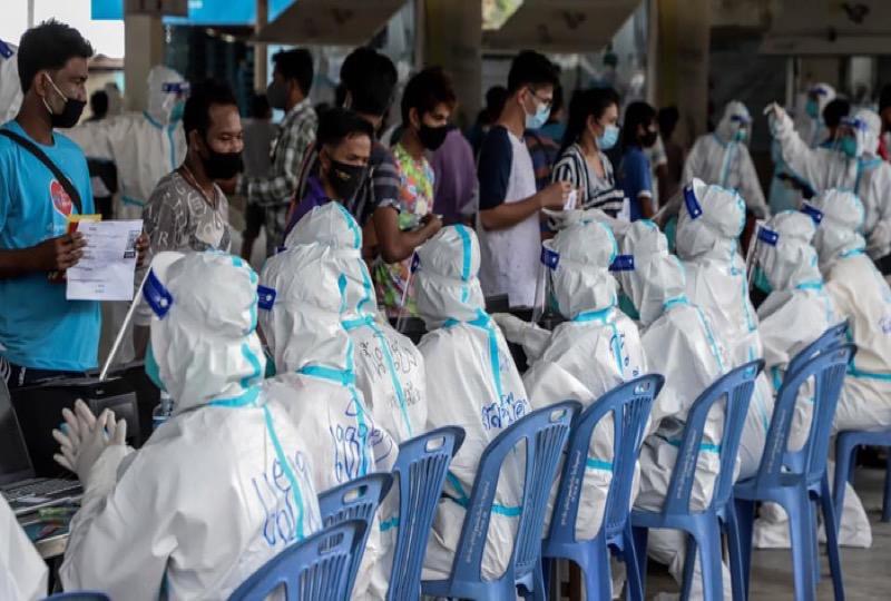 De provincie Samut Sakhon gaat elke dag 8.000 mensen op Covid19 testen