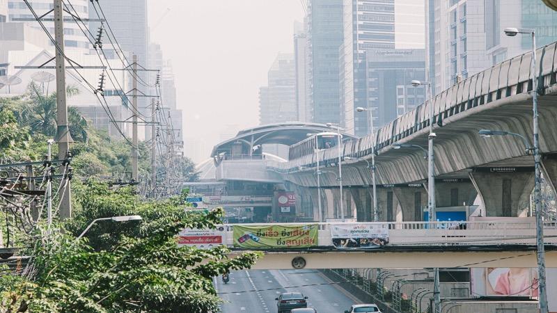 """De BTS in Bangkok opent een """"spookstation"""" op Sathorn Road"""
