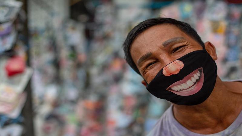 In Pattaya kan je zelfs lachen met een mondkapje op