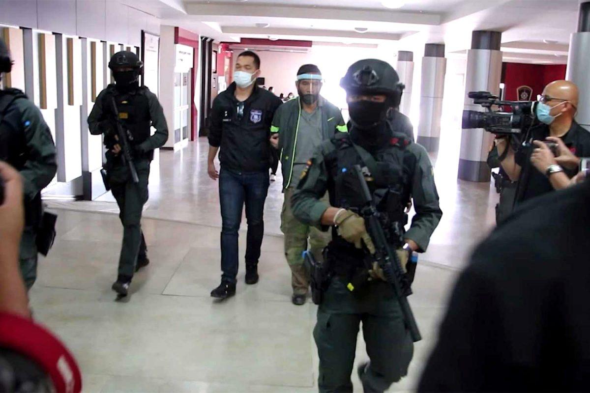 Ex-agent gearresteerd voor moord na 10 jaar op de vlucht te zijn