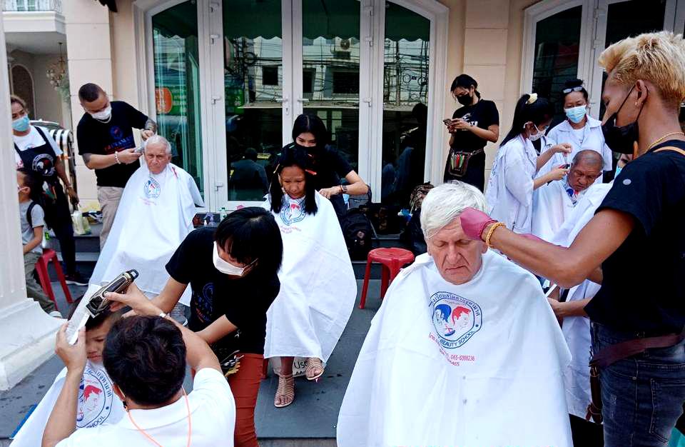 Schoonheidsopleiding in Pattaya biedt gratis knipbeurten aan