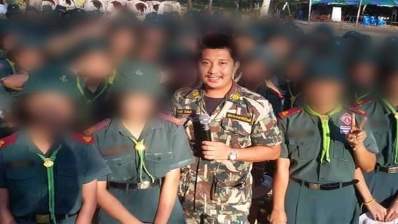 Pseudo modellen scout in Zuid Thailand beschuldigd van het afpersen van een naakt tienermeisje