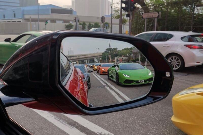 Meer dan 40 luxe bolides in Hong Kong aan de kant gezet en op een stevige prent getrakteerd