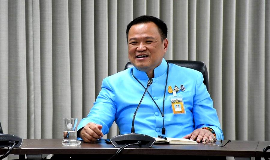 """Minister van Volksgezondheid reageert op beschuldigingen rond het """"falen"""" van het vaccinatiebeleid"""