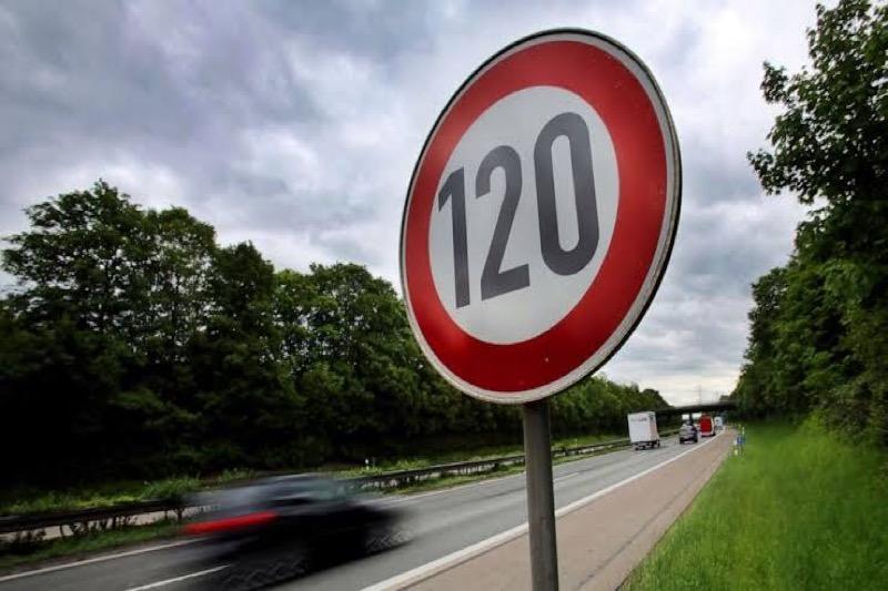 Per 1 april is alleen op de Asian Highway een snelheid van 120 kilometer per uur toegestaan, andere wegen volgen later dit jaar