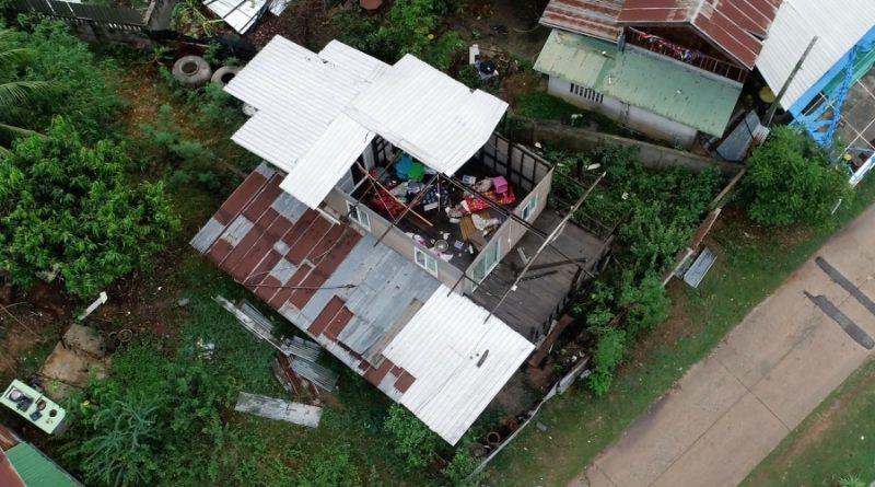 Soldaten van het Thaise leger repareerden in de provincie Khon Kaen meer dan 500 door een storm geruïneerde huizen