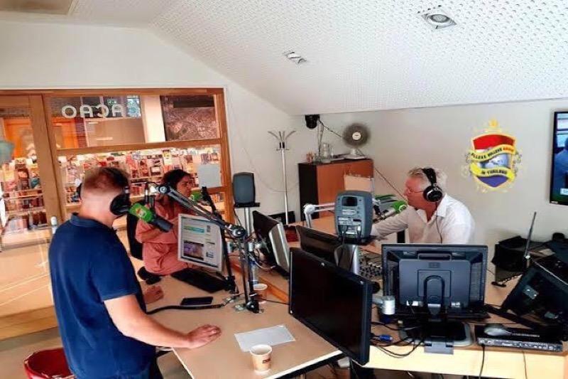 Ook vandaag weer een radioshow welke bol staat van goede muziek en entertainment