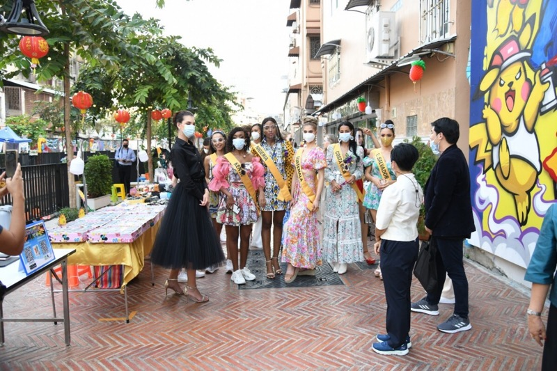 Weelderige dames uit de hele wereld bezochten de Khlong Ong Ang in Bangkok