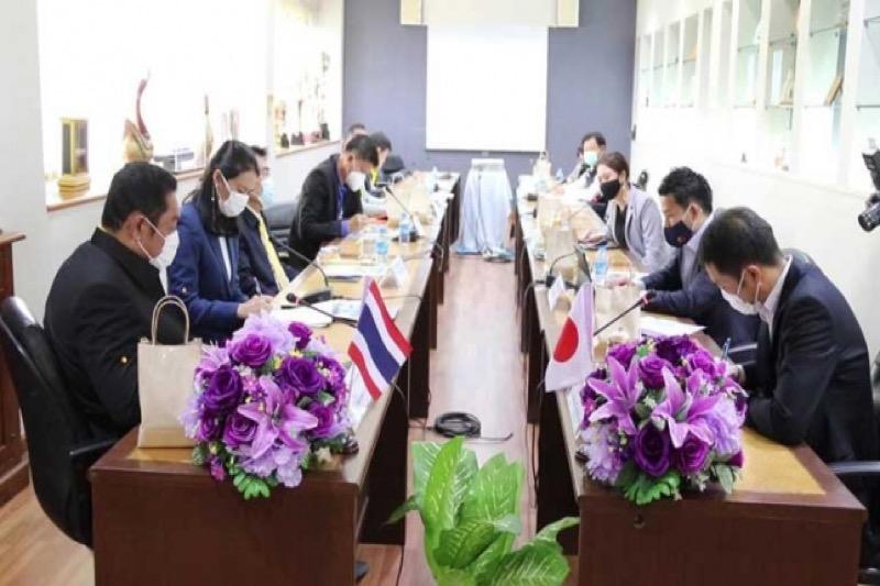 Japanse investeerders tonen interesse in de bouw van de monorail in Pattaya
