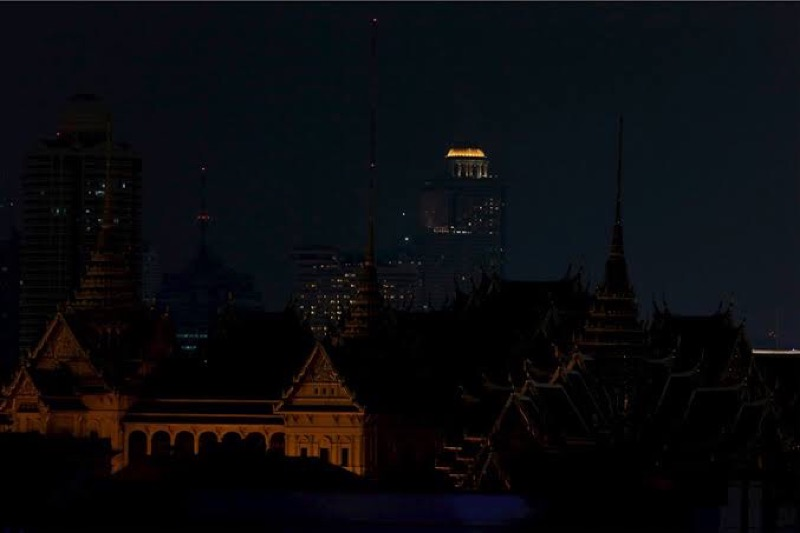 De lichten gaan in de Thaise hoofdstad Bangkok gaan zaterdag een uur uit