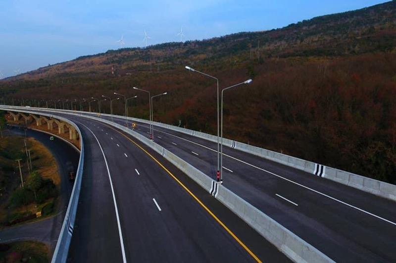 Tijdens Songkran is de nieuwe snelweg van Nakhon Ratchasima geopend