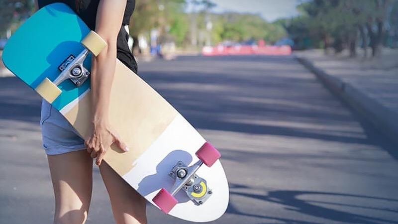 List en bedrog regeert bij het online bestellen van skateboards in Thailand