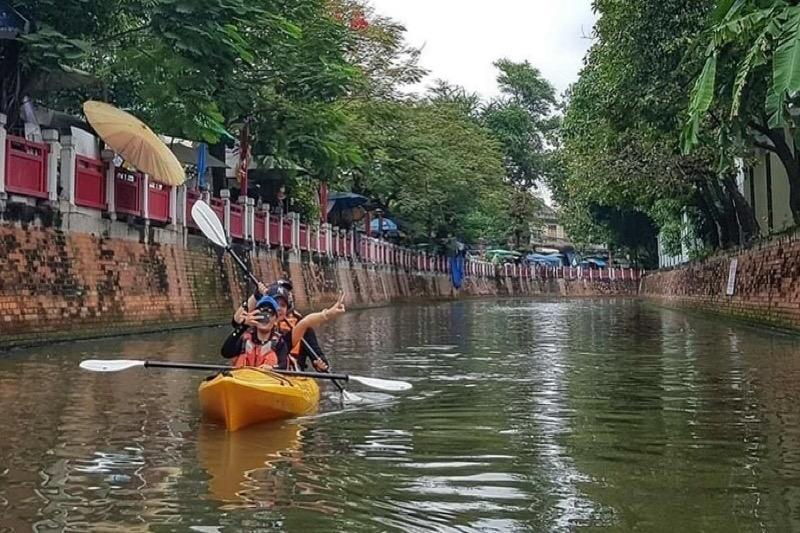 De ultieme uitdaging voor u, Kajakken en paddleboarden op het Ong Ang-kanaal