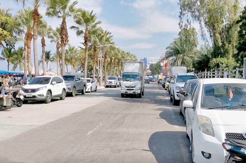 Het parkeren op de Beach Road van Pattaya brengt niet alleen gemak maar ook meer toerisme!