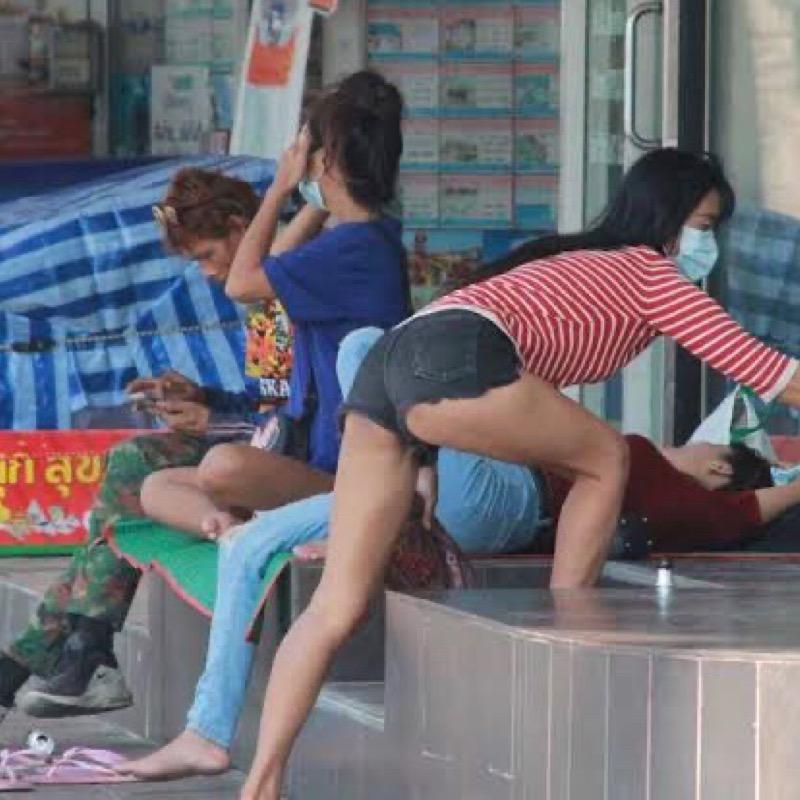 Dakloze bevolking in Pattaya stijgt, terwijl de Covid-19-maatregelen worden voortgezet, bezorgdheid over de lokale bewoners neemt toe