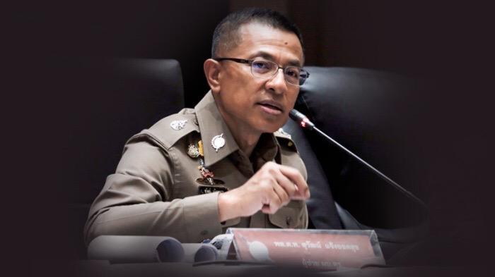 Hoofdcommissaris van de Thaise politie stuurt agenten het bureau uit om thuis te werken