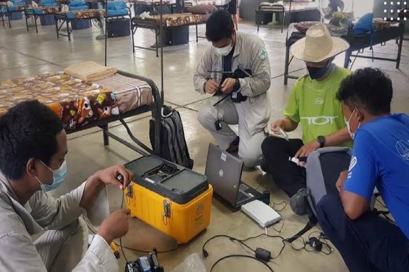 Telecommunicatiebedrijven creëren internet in Thaise veld ziekenhuizen