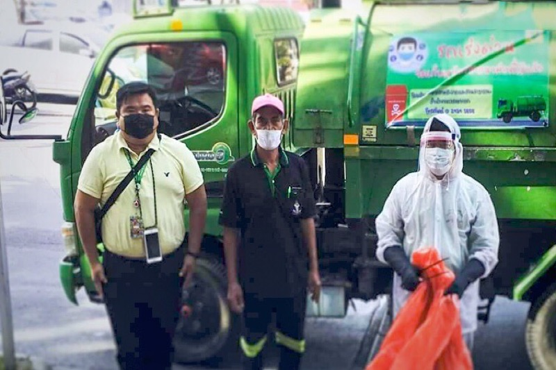 De hoofdstad Bangkok komt met biobakken op de proppen om de dagelijkse berg gebruikte mondkapjes aan te pakken