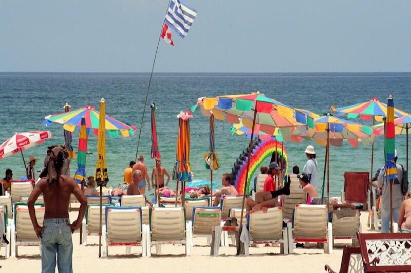 Buitenlanders op Phuket negeren opnieuw de opgelegde Covid19 maatregelen, uitzetting dreigt!
