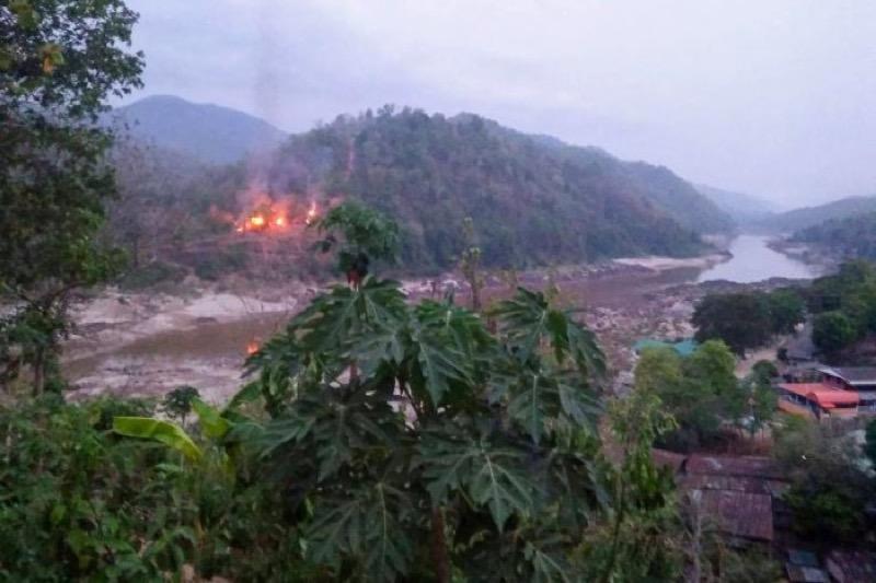 Strijdgroep etnische minderheid viel gisteren een Myanmarees legerkamp aan