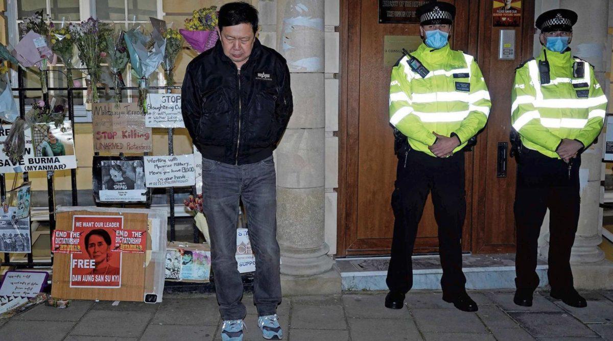 Coup in het hart van Londen, Ambassadeur Myanmar uit het ambassadegebouw gezet