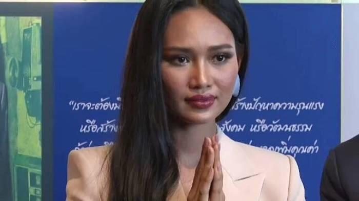 Myanmarese schoonheidskoningin vraagt de VN om hulp in haar vaderland te bieden