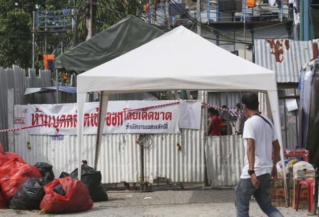De Indiase Covid19 variant op een bouwplaats in Bangkok ontdekt