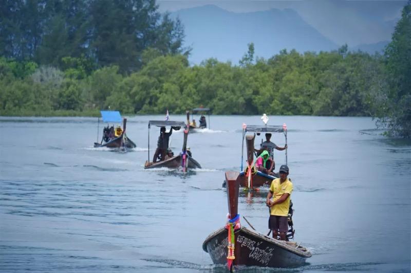 Het kwallen-seizoen komt voor de Thaise vissers in Zuid Thailand als geroepen