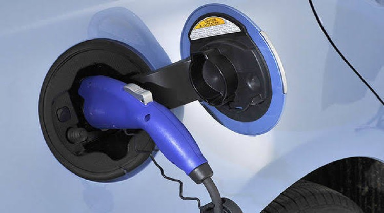 Thailand is van plan om de verkoop van benzine en dieselauto's tegen 2035 te verbieden