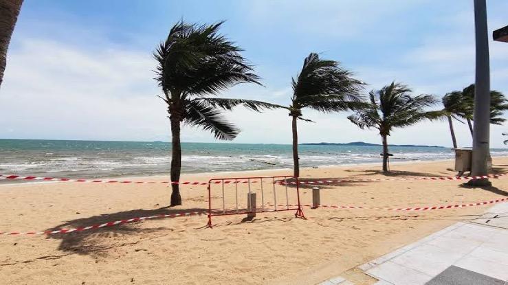 Sluitingen van stranden in Pattaya, sluitingen van parken in Bangkok zorgen voor verwarring en woede bij de lokale bewoners