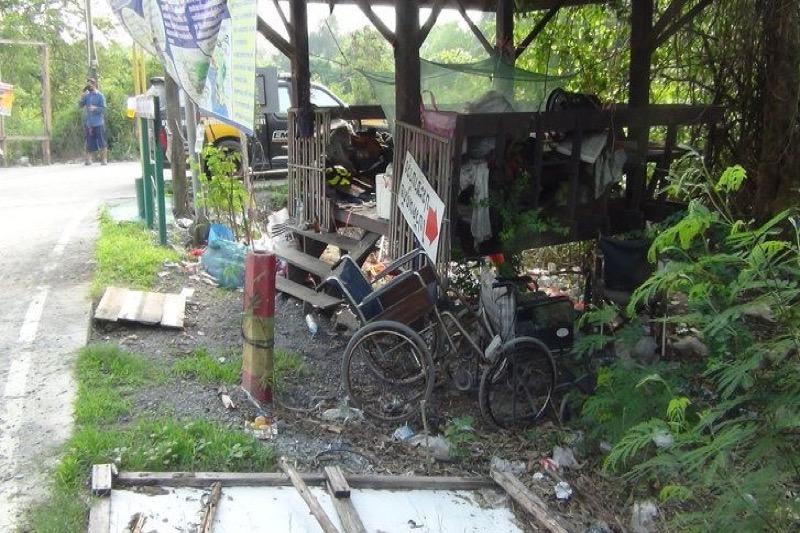 Dakloze man sterft in de provincie Chachoengsao, dorpelingen vrezen het ergste.