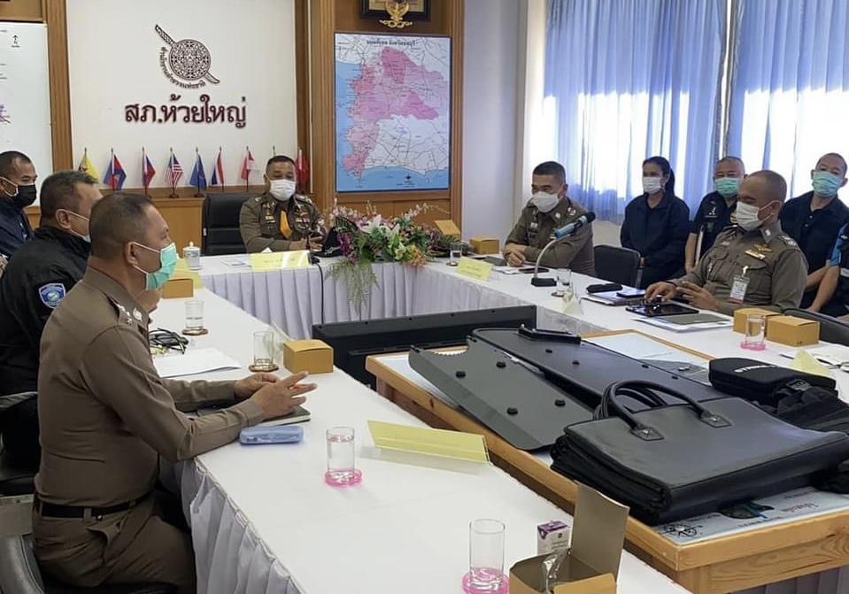 VIDEO UPDATE :- Twee politieagenten door een buitenlandse verdachte tijdens een huiszoekingsbevel in Pattaya neergeschoten