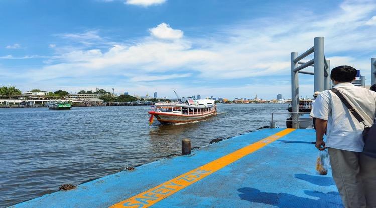 Vandaag is de Chao Phaya Express Boat in Bangkok weer gaan varen