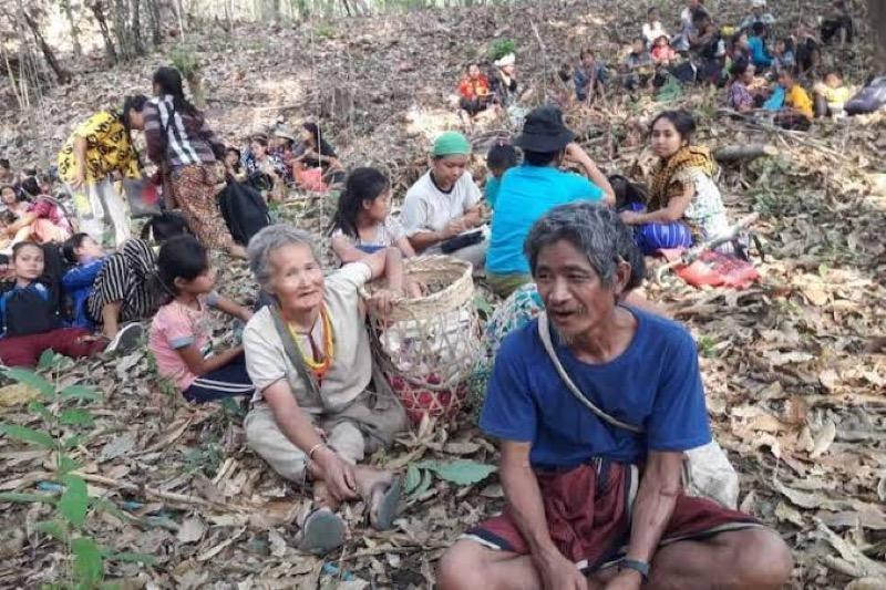 Tot nu toe zijn 2160 leden van de Karen stam naar Thailand gevlucht