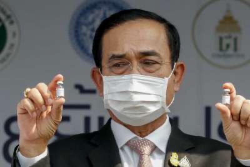 Premier Prayut zet het vaccineren tegen het Coronavirus hoog op de nationale agenda