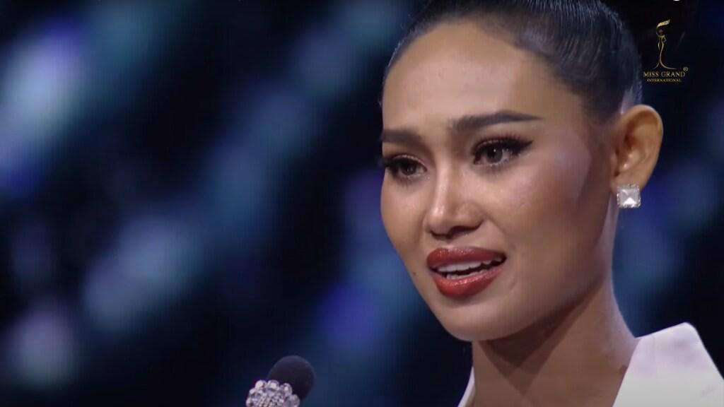 VIDEO | Miss Myanmar sprak zich uit tegen het leger, nu is ze op de vlucht