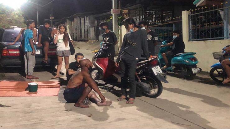 Vuilnisbakken struiner in Pattaya aangehouden voor een poging om een 3-jarige peuter te verdrinken