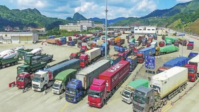 De grenzen in de Guangxi-regio van de Chinese volksrepubliek voor thais fruit officieel geopend