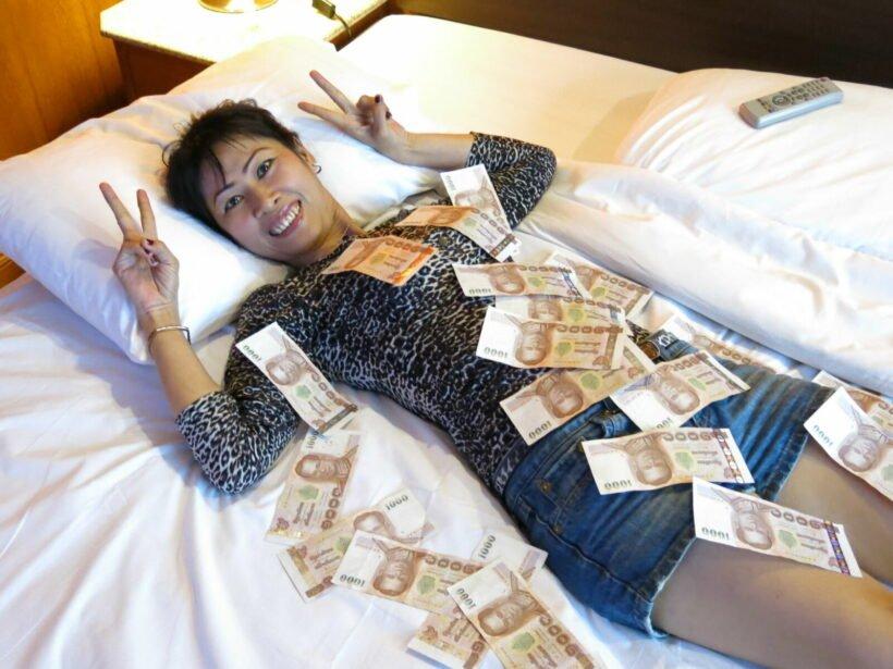Barmeisjes in Pattaya gearresteerd wegens vermeende schending van Covid-beperkingen tijdens live-streaming