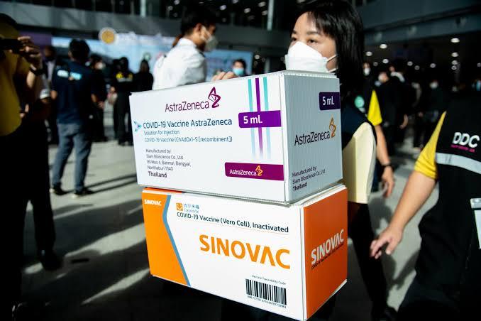 Grote verwarring bij de buitenlanders voor de vaccinatieafspraken in Thailand