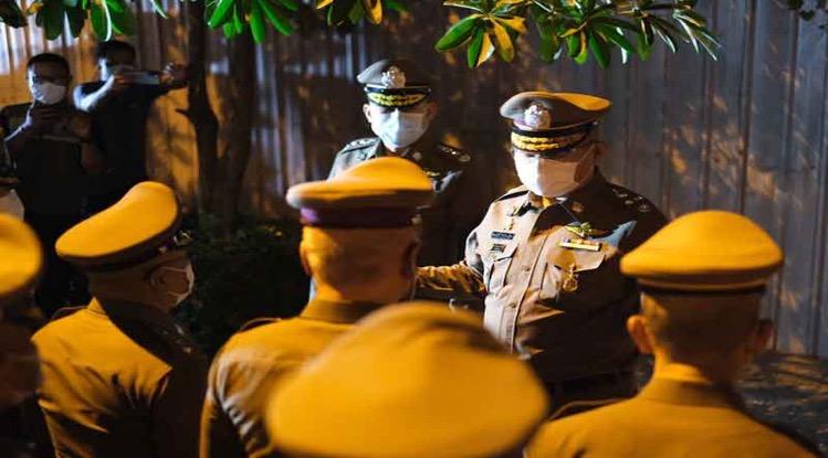 Politie in Thailand stelt beloningen in voor het uitzicht inzake informatie illegale straatraces