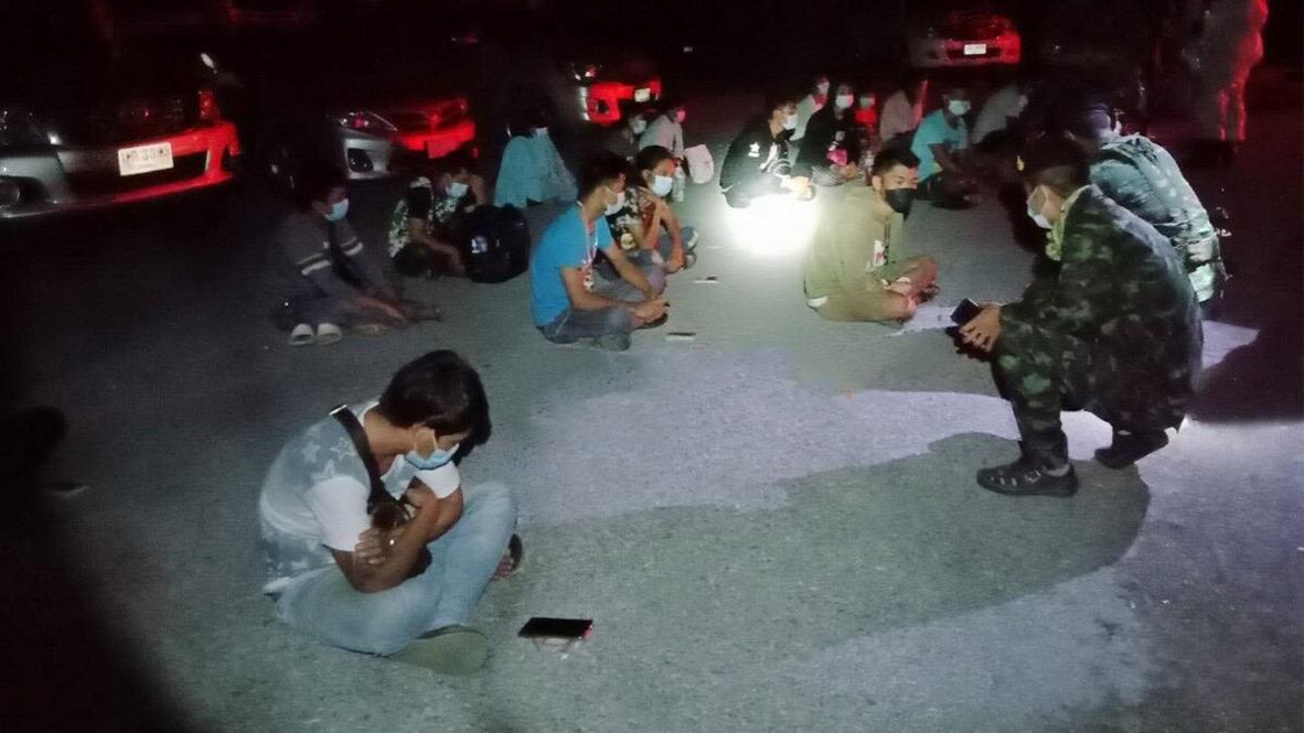 27 Birmezen en 5 Thaise reisagenten in Kanchanaburi gearresteerd.